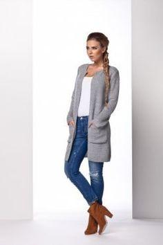 Šedý sveter s vreckami