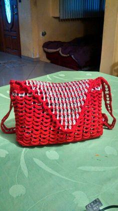 Bolsa tejida con fichas