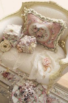 Be still my heart - by nanalulus linens and handkerchiefs