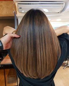 Brown Hair Balayage, Hair Highlights, Balayage On Straight Hair, Hair Color For Black Hair, Ombre Hair Color, Brown Hair Trends, Haircuts Straight Hair, Medium Hair Styles, Long Hair Styles