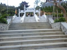 balustrades in white marble.  Pls contact danang.marble@gmail.com or danangmarble.com.vn for order or more information.