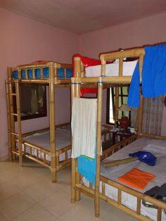 Slaapkamer met bamboebedden  - Vrijwilligerswerk Bali