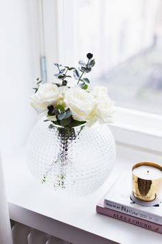 The perfect round vase | Alexa Dagmar, December 2015