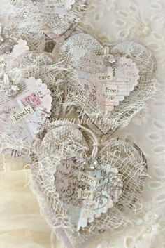 Jan's Page of Awesomeness! >. Valentine Heart, Valentine Crafts, Christmas Crafts, White Christmas, Christmas Mantles, Christmas Trees, Christmas Ornaments, Shabby Chic Crafts, Vintage Crafts