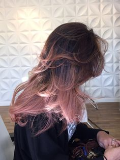 Beauty By Alissa photos Rose Gold Hair Brunette, Rose Hair, Blonde Hair, Hair Color Purple, Hair Color And Cut, Cabelo Rose Gold, Pink Hair Highlights, Corte Y Color, Dye My Hair