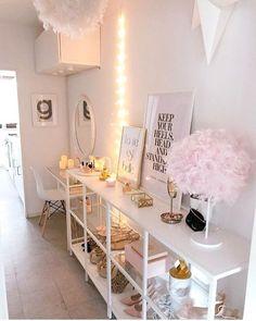 64 ideas for wall decor living room corner mirror Living Room Decor, Bedroom Decor, Bedroom Ideas, Wall Decor, Design Bedroom, Room Interior, Interior Design, Room Corner, Corner Closet
