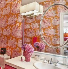 One of my absolute favorite wallpapers of all time, this Manuel Canovas orange and pink toile, used to perfection in this super happy and slightly mod girl's bathroom. Spa Bathroom Themes, Chic Bathrooms, Toile Wallpaper, Home Decor Furniture, Interior Inspiration, Interior Ideas, Interior Design, Decoration, Interior Decorating