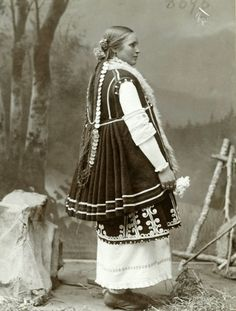 Bulgarian Costume Photo from personal archive of Biljana Karastoyanova