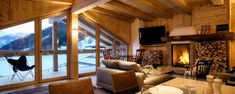 This beautiful luxury chalet is the perfect getaway during winter and summer! Golflodge in Uderns, Austria. Chalet Design, Design Hotel, House Design, Chalet Interior, Country Interior, Interior Design, Chalet Chic, Chalet Style, Cabin Plans