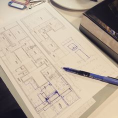 Working with my client while we drink black coffee #brickell #barcelona #bestdesigner #miami #madrid #architect #architecture #Spain #southbeach #diamondarchitecture #luxury #luxurydesign #luxurymadrid #livemiamiluxury #interior #InteriorDesign #interiordesigner #upperdesign