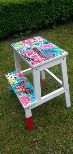 See this article for some modern furniture ideas for a small home. Small Furniture, Diy Furniture, Modern Furniture, Furniture Design, Painted Chairs, Painted Furniture, Ikea Bekvam, Step Stools, Step By Step Painting
