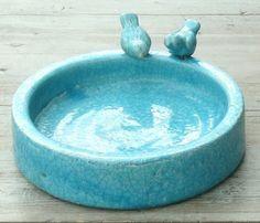 Vogeltränke mit 2 Deko- Vögeln Aged- Keramik türkisfarben