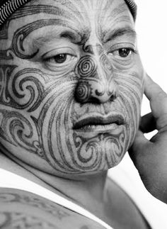 Moko is the Maori art of facial or body tattooing. It is an expression of personal, social and tribal identity. Dating back hundreds of years, the art form is undergoing a resurgence as New Zealand's Maori reassert their cultural tradition. Maori Face Tattoo, Ta Moko Tattoo, Maori Tattoos, Maori People, Maori Designs, Atelier D Art, New Zealand Art, Nz Art, Maori Art