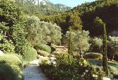 Miranda Brooks Landscape Design   European