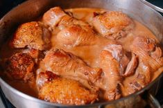 Chicken adobo is a Filipino recipe made with only a few ingredients. It's an easy one pot meal, and you won't believe how silky and flavorful the sauce is! Chicken Adobo, Braised Chicken, Methi Chicken, Turkish Recipes, Filipino Recipes, Ethnic Recipes, Filipino Chicken Curry, Pork Adobo Recipe, Making Fried Rice