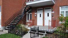 Rénovation de balcon Construction, Garage Doors, Photos, Stairs, Outdoor Decor, Home Decor, Balconies, Building, Pictures