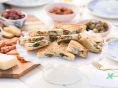 Get Spicy Sausage and Broccolini Panini Recipe from Food Network Panini Sandwiches, Wrap Sandwiches, Dinner Sandwiches, Giada Recipes, Cooking Recipes, Delicious Recipes, Snack Recipes, Panini Recipes, Beach Meals
