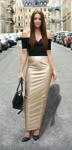 SK Dressed to Shine - Long champaign stretch satin high waisted hobble skirt Satin Pencil Skirt, Satin Skirt, Satin Dresses, Sexy Skirt, Dress Skirt, Long Tight Skirt, Long Leather Skirt, Leather Skirts, Sexy Rock