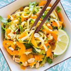 A Crowd Favorite: Colorful Zoodle Pad Thai Recipe https://plus.google.com/+KevinGreenMySOdotCom/posts/Wcnw5fPtfW8