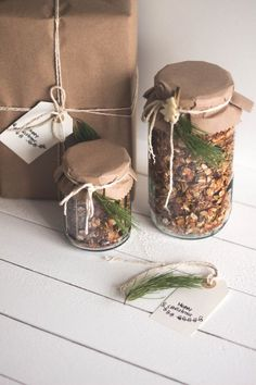 Gifts Wrapping & Package : Granola de Canela Caseira – (Cinnamon Granola) ~ ~ (for 2 jars of 3 cups … Baking Packaging, Jar Packaging, Cookie Packaging, Packaging Ideas, Christmas Baking Gifts, Christmas Cookies Gift, Christmas Cookies Packaging, Cookie Gifts, Food Gifts