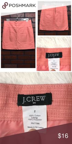 J. Crew Coral Mini Skirt J. Crew size 2, 100% cotton, mini skirt. Has zipper detail in back and is 15.5 inches in length! EUC 💗 J. Crew Skirts Mini