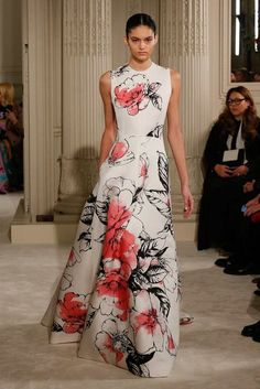 Valentino Spring 2018 Couture Collection - Vogue