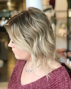 Secure more dimension and incorporate a cooler tone in your tresses. Go and change your style with this short dimensional shaggy hair. Short Shag Haircuts, Shag Hairstyles, Latest Hairstyles, Cool Tones, Your Style, Short Hair Styles, Hair Cuts, Change, Chic