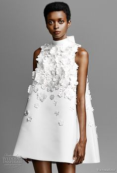 viktor and rolf spring 2019 bridal sleeveless high neck heavily embellished bodice romantic tent mini short wedding dress zv -- Viktor&Rolf Spring 2019 Wedding Dresses Wedding Inspirasi ~ Mode Chanel, Mini Robes, Most Beautiful Dresses, Amazing Dresses, Beautiful Outfits, Elegantes Outfit, Short Dresses, Summer Dresses, Viktor Rolf