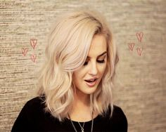 {gif] UUUGGGGHHHH! WHY MUST SHE BE SO PERRIEFECT?!!?