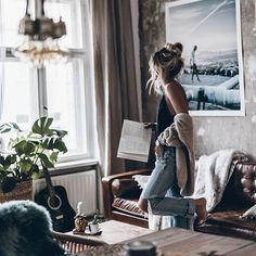 Photo October 29 2019 at womens fashion style hats shoes minimal simple dress ootd summer comfortable for her ideas tips street Photography Women, Lifestyle Photography, Girl Photo Shoots, Lazy Day Outfits, Best Memories, Cozy House, Happy Sunday, Happy Thursday, Outfit Of The Day