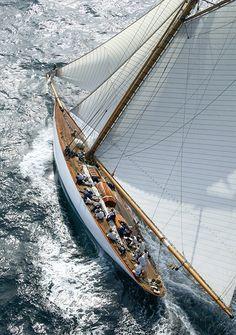 Mariquita, Classic Sail, Ph. Franco Pace - white sails