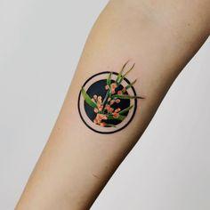 Negative Space Tattoo, My Pocket, Leaf Tattoos, Tattoo Inspiration, Watercolor Tattoo, Mandalas, Watercolour Tattoos, Watercolor Tattoos