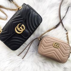 Today we are going to make a small chat about 2019 Gucci fashion show which was in Milan. When I watched the Gucci fashion show, some colors and clothings. 2019 Gucci Fashion Show - Gucci Fashion Show Popular Handbags, Cute Handbags, Cheap Handbags, Gucci Handbags, Handbags Michael Kors, Luxury Handbags, Fashion Handbags, Purses And Handbags, Fashion Bags