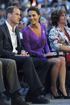 Kate Middleton Photos - Prince William, Duke of Cambridge and Catherine, Duchess of Cambridge attend the Evening National Canada Day Celebrations in the capital accompanied  by representatives of the National Capitol Commission on July 1, 2011 in Ottawa, Canada. - The Duke And Duchess Of Cambridge Canadian Tour - Day 2