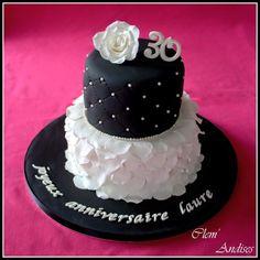 Gateau chic noir et blanc cake design