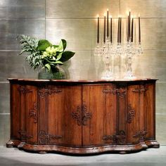 Art. 133 belief Lombardo - Venetian reproduction of halves the XVIII century. Essence of walnut-tree dimensions: 175x59x115h. being exclusively a handicraft product custom realizzardo is possible for dimensions, essences and finishes. It visits the site: www.vangelistamobili.it