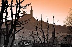 #Marseille : au fil de l'art #BeGlob #Campanile Notre Dame de La Garde