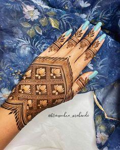 Pretty Henna Designs, Indian Henna Designs, Henna Tattoo Designs Simple, Mehndi Designs Book, Mehndi Designs 2018, Modern Mehndi Designs, Mehndi Designs For Girls, Mehndi Design Photos, Wedding Mehndi Designs