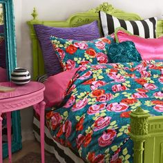 I love flowers and pillows!!