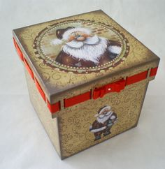 Porta Panetone   Gurian Arte em Madeira   Elo7 Father Christmas, Country Christmas, Christmas Crafts, Shabby, Painted Boxes, Tole Painting, Christmas Inspiration, Wood Crafts, Decorative Boxes