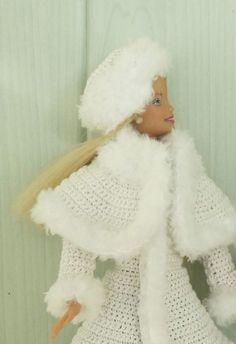 """Barbie en manteau """"Reine des neiges"""""""