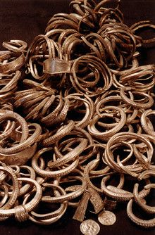 The Spilling hoard found on Gotland, Sweden. The Spilling hoard is the largest hoard yet found from the Viking age. It was found at Spilling on Gotland in 1999 and weight 67 kilos before conservation. It consist of around 14.000 coins from Islamic countries and rings of silver.