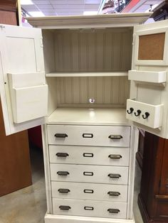 Gorgeous Paula Deen dresser. Great space and features. $325 #dresser #furniture #PaulaDeen #consignment #Storage #White #forsale