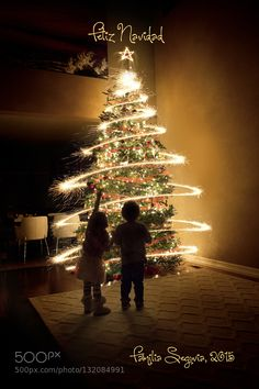 Lovely family photos of the day Merry Christmas. sparkler tree by dsegovia. Share your moments with #nancyavon here www.bit.ly/jomfacial