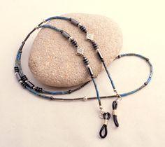 Eyeglass Chain-Beaded Glasses Lanyard Eyeglass by SoCalStudio Eyeglass Holder, Necklace Holder, Bijoux Diy, Eye Glasses, Beaded Jewelry, Jewelry Accessories, Earrings, Lanyards, Color Azul