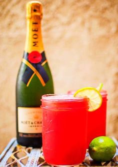 WATERMELON MIMOSAS 1. Purée 6 Cups of Watermelon Cubes in a Blender 2. Add Juice of 2 Limes, Agave Nectar and a 750ml Bottle of Chilled Dry Sparkling Wine ENJOY‼️ #thursday #thirstythursday #booze #drink #drinks #treat #liquor #mimosa #watermelon #beverage #cold #love #loveit #lush #quenchyourthirst #cool #yum #yummy #delish #delicious #fav #favorite #instagood #drinkporn #cheers #bottomsup #drinkup #alcohol #party #bar