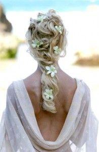3 Top Beach wedding hairstyles