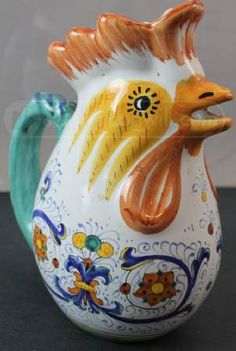 I have this pitcher . Ceramic Rooster, Ceramic Animals, Ceramic Pottery, Ceramic Art, Flow Blue China, Indian Bedroom, Rooster Kitchen, Doodle Doo, Rooster Decor