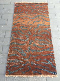 #1654 Tibet rug, dark camel color with tiger veins rug. good age and quality. size 158*78cm(62*30'')