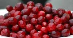 Boozy Citrus Cranberry Sauce from Kiss Me I'm Cooking Cranberry Cake, Cranberry Recipes, Cranberry Juice, Holiday Recipes, Sauces, Christmas Carnival, Christmas Treats, Juice Smoothie, Smoothies